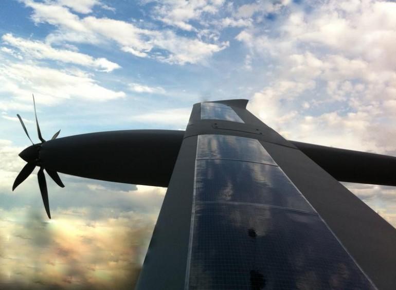 Новый БПЛА Silent Falcon работает на солнечных батареях