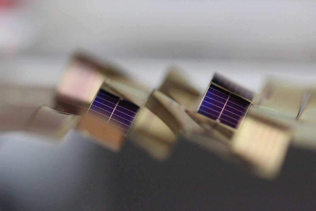 kirigami-sun-tracking-solar-cells-2@2x