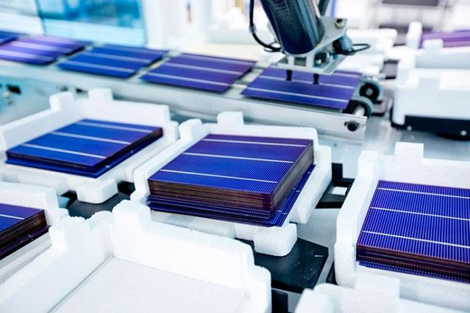 Открыт новый метод «склейки» кремния и перовскита в тандемных солнечных элементах